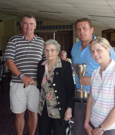 Mixed Foursomes Champs - Rick & Mel.jpg